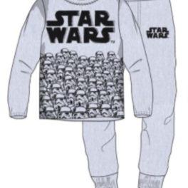 Pijama de nen color gris amb samarreta amb la lletres Star Wars i caps de stormtroopers i pantalons amb les lletres Star Wars i amb puny