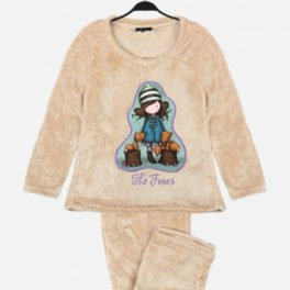 Pijama de nena color crema amb teixit corel molt calent amb imatge de la nina Gorjuss amb dos guineus
