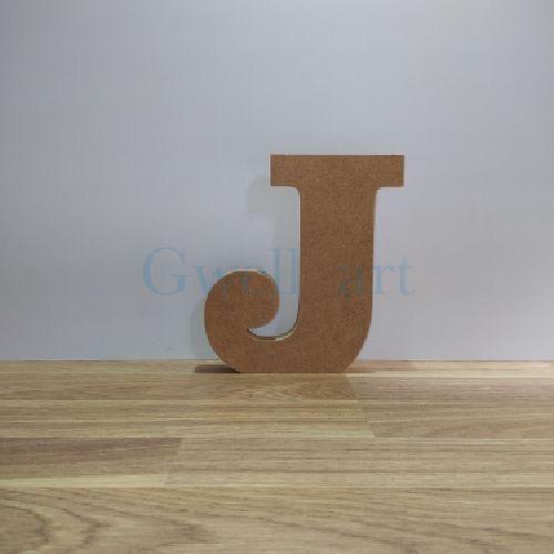 Letra de madera J